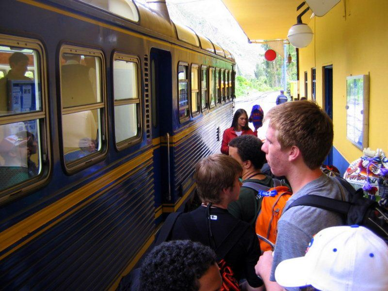 Students boarding Perurail to go to Machu Picchu!