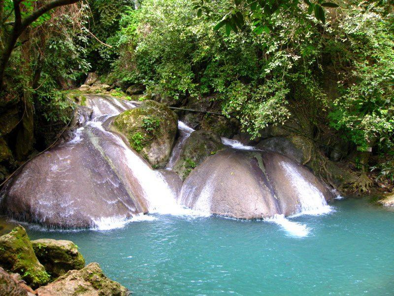 Ahhh... that azure blue waterfall and lagoon!