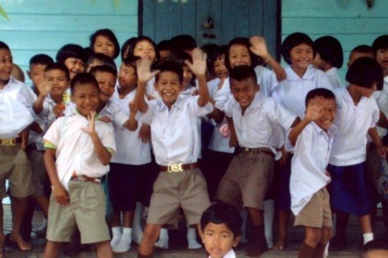 Thai students overjoyed to have volunteer teachers!