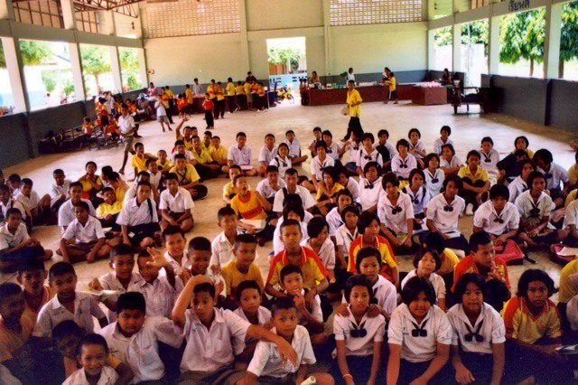 The 300 Thai students whose lives were made happier by volunteer teachers!