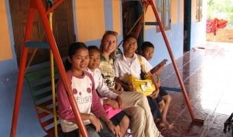 Robin: Volunteer Teaching During Travel in Cambodia