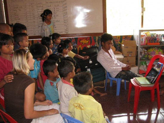 YOU could volunteer in this Siem Reap classroom, too!