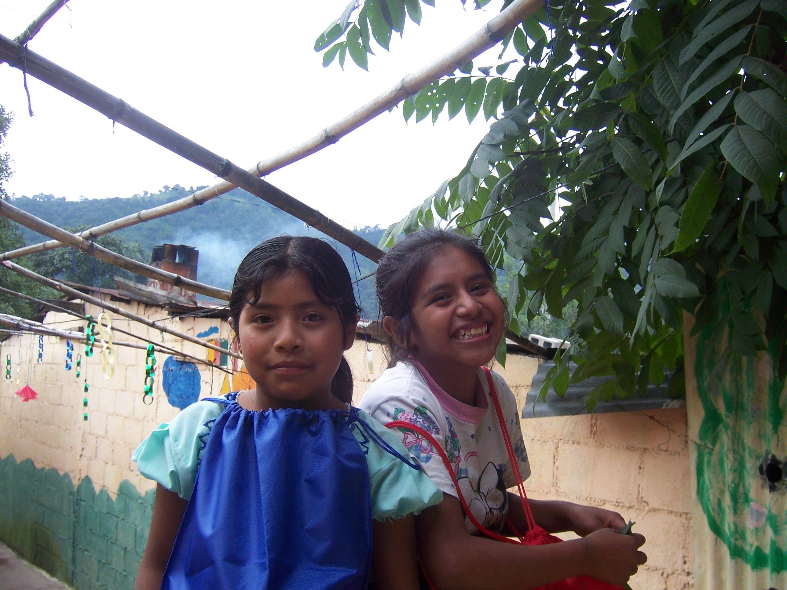 Two of Kate's students at Semilla de Esperanza y Amor.