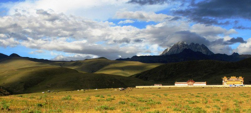 A monastery on the grasslands of Tagong, in Sichuan, China.