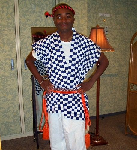 Rashaad just before a 太鼓 (taiko) performance in Japan.
