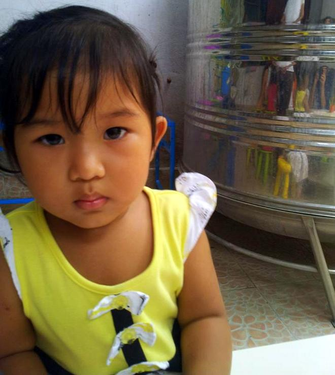 One of Klelia's students, focused on drawing at the school Kindergarten in Thailand.
