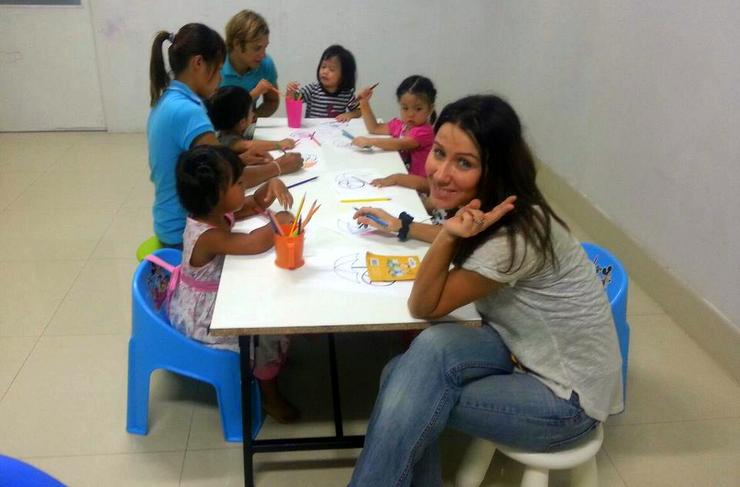Klelia and her boyfriend during Art Hour at the school where she teaches in Thailand.