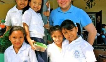 A Week Volunteering in Honduras to Paint a School Mural