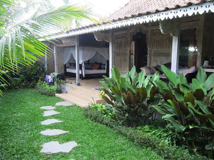 Tasha's house in Ubud, Bali. Low rent for beautiful housing in Bali means  living in luxury!