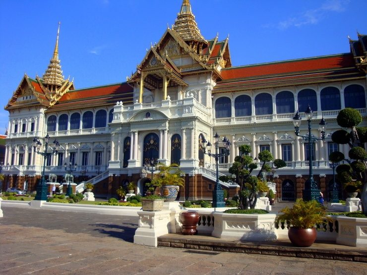 Would you like to teach abroad in Thailand?