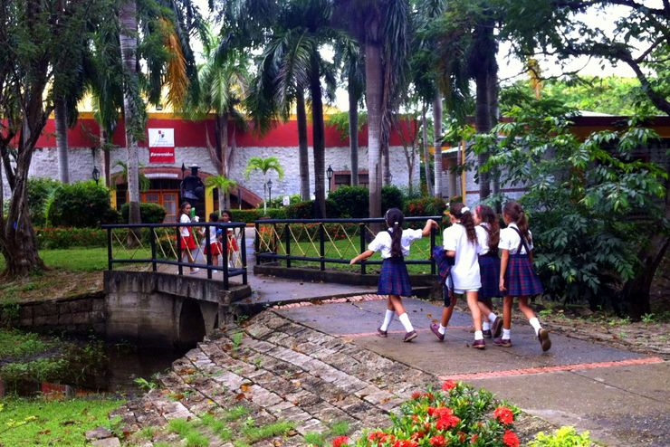 Students at Kate's current school heading off to class.