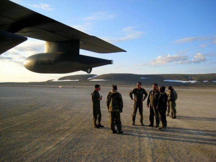 A plane crew's midnight arrival.