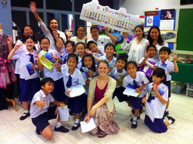 Casey with her students in Thailand.