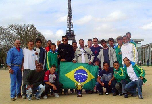 Paris in 2005 with students from Buzios.