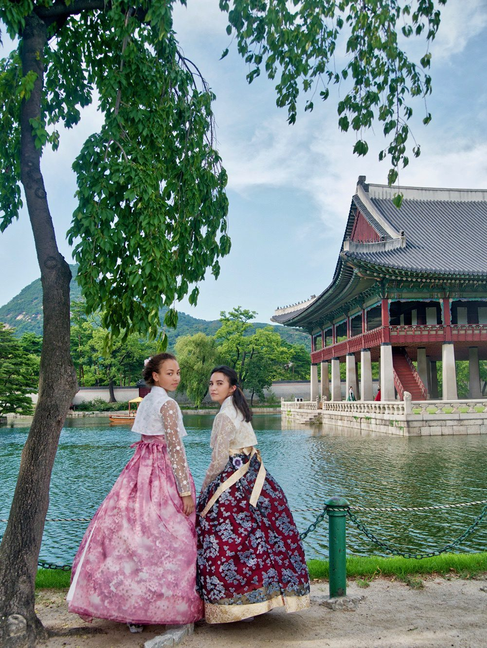 Hanbok dress in Seoul, South Korea. Family travel expert tips and multicultural education resources and books from a woman traveling the world with her kids and active duty military husband.