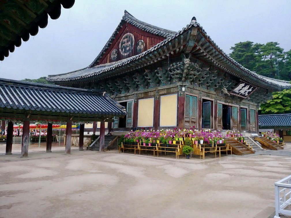 A beautiful Buddhist temple in South Korea.